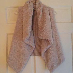 BB Dakota furry vest size S